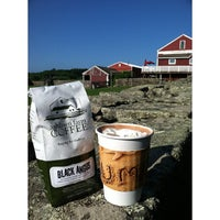 Photo taken at Ashlawn Farm Coffee by Jon A. on 7/5/2013