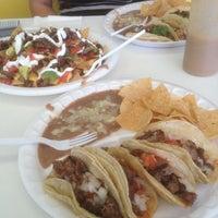 Foto diambil di Taco El Zorro oleh Jonah L. pada 10/28/2012