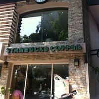 Foto tomada en Starbucks por Emiliano R. el 3/6/2013