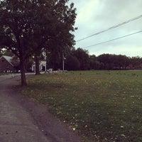 Das Foto wurde bei Clove Lakes Park von Isai F. am 10/4/2015 aufgenommen