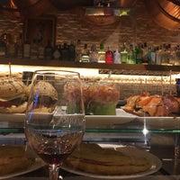 Foto tomada en Iruñazarra Bar Restaurante por Damla M. O. el 4/29/2017