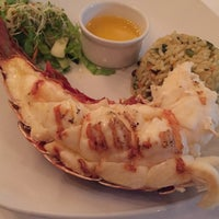 Photo taken at Lobster Alive by Bonnie W. on 7/30/2017