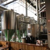 1/22/2018 tarihinde Daniel T.ziyaretçi tarafından Rocks Brewing Co'de çekilen fotoğraf