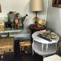 Photo taken at Urban Suburban Antiques by Civilocity J. on 3/24/2015