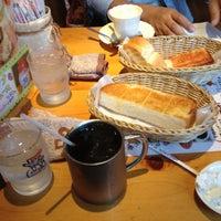 Photo taken at Komeda's Coffee by memphis @. on 10/20/2012