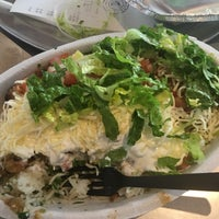 Photo taken at Chipotle Mexican Grill by MANDiiE M. on 1/14/2016