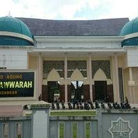Photo taken at Masjid Agung Al-Munawaroh by Argo P. on 2/19/2016