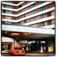 Foto tomada en Hilton McLean Tysons Corner por Alp A. el 9/11/2013