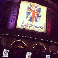 Foto scattata a Piccadilly Theatre da Niki C. il 1/4/2013