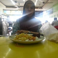 Photo taken at Restaurant E&Y by Hasliza on 8/4/2016