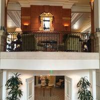 Foto tirada no(a) Casa Del Mar Hotel por Alissa J. em 7/11/2013