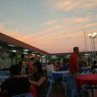 Photo taken at Batu Lintang Seafood by Brendan C. on 4/16/2016