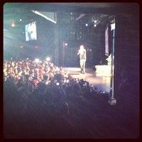 Das Foto wurde bei PlayStation Theater von Raphael V. am 11/21/2012 aufgenommen