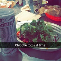 Photo taken at Chipotle Mexican Grill by Delo K. on 9/20/2015