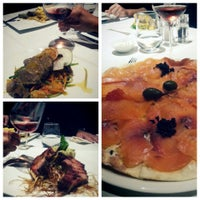10/19/2013 tarihinde Benan A.ziyaretçi tarafından Circle Restaurant & Cafe'de çekilen fotoğraf