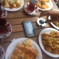 8/25/2013 tarihinde Sabri Y.ziyaretçi tarafından Özen Börek ve Tatlı Evi'de çekilen fotoğraf