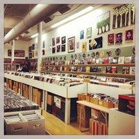 Photo taken at Main Street Jukebox by Charissa G. on 4/12/2013