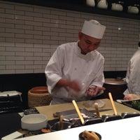 10/13/2013 tarihinde Andrea B.ziyaretçi tarafından Sushi Nakazawa'de çekilen fotoğraf
