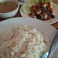 Photo taken at Restaurant Muhibbah Dengkil by Zainuddin A. on 9/4/2014