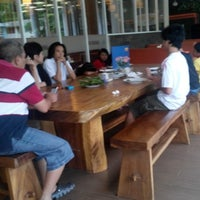 Photo taken at Rasane Seafood & Ikan Bakar by Soetrisno M. on 1/5/2014