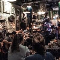 Photo prise au Adhere the 13th Blues Bar par Jozz G. le12/10/2017