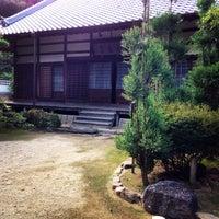 Photo taken at 祥雲山 花岳寺 by momo on 8/31/2014