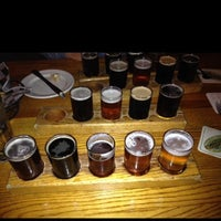 Foto tirada no(a) Grizzly Peak Brewing Co. por Sandy S. em 10/22/2013