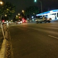 Photo taken at King St & Kalakaua Ave Intersection by Stephen C. on 9/13/2016