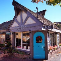 Photo taken at Em Le's Old Carmel Restarant by Stephen C. on 12/31/2014