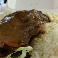 Photo taken at L&L Hawaiian Barbecue by Stephen C. on 12/28/2016
