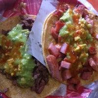 Photo prise au Tacos Don Juan par Isaac Z. le4/22/2013