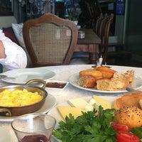 Photo prise au Faik Pasha Cafe par Dilara le7/9/2018