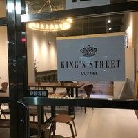 Foto scattata a King's Street Coffee da Paul W. il 12/1/2017