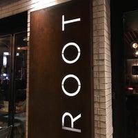 Foto tirada no(a) ROOT restaurant + wine bar por Paul W. em 7/28/2018