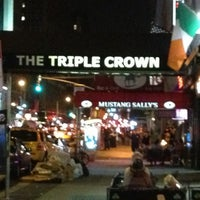 Photo taken at The Triple Crown Ale House & Restaurant by Paul W. on 8/10/2013
