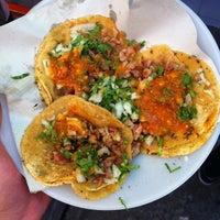 Foto tirada no(a) Tacos El Periferico por Malkom em 7/14/2013