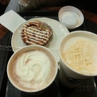 Photo taken at Starbucks by Eddie C. on 11/9/2012