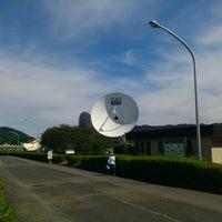 Photo taken at KDDI パラボラ館 by Hiroyuki T. on 10/5/2012