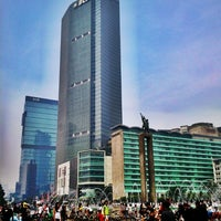 Photo taken at Bundaran Hotel Indonesia (Monumen Selamat Datang) by Akbar P. on 6/16/2013