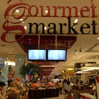 Foto scattata a Gourmet Market da Big M. il 1/15/2013