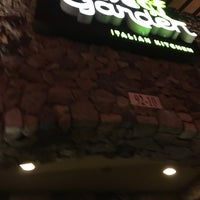 Photo taken at Olive Garden by Mei T. on 12/27/2016