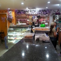 Photo taken at Tiramisú Cafe by Alfredo G. on 11/28/2012