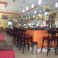 Foto tirada no(a) Santa Coxinha por George Y. em 10/8/2012