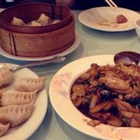 Photo taken at Shanghai Restaurant 上海喬家柵 by Nikki H. on 1/24/2015