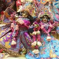 Photo prise au Radha Govinda Mandir par Radhika P. le3/17/2014