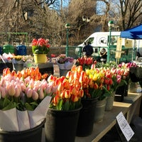 Foto tirada no(a) Union Square Greenmarket por Mandy M. em 3/29/2013