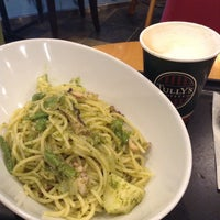 Photo taken at Tully's Coffee by Katsuhito W. on 10/13/2014