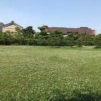 Photo taken at 藤田邸跡公園 by yoshikazu f. on 6/10/2017