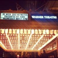 11/7/2012 tarihinde Lauren K.ziyaretçi tarafından Warner Theatre'de çekilen fotoğraf