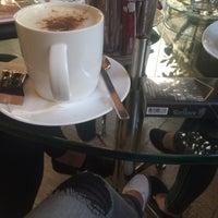 Photo taken at Mint Café by sssetayeshhh .. on 8/16/2016